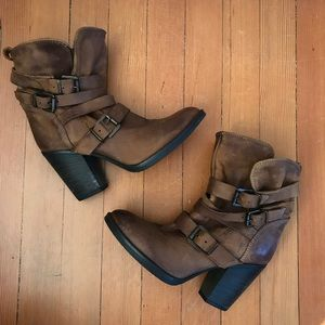 Steve Madden Brown Leather Boots size 7.5 Buckles